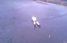 noruego salta contra el hielo